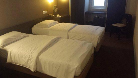 Hotel Expo Astória : Quarto