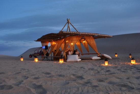 Adrenarena: Disfrutando de la puesta de Sol en la dunas de Paracas