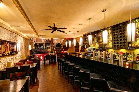 Sierra Bar & Restaurant: Ist normalerweise voll..
