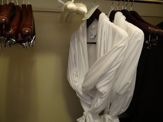 The Roosevelt New Orleans, A Waldorf Astoria Hotel: robes in closet