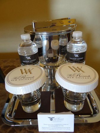 The Roosevelt New Orleans, A Waldorf Astoria Hotel: water, real glasses,  and ice bucket