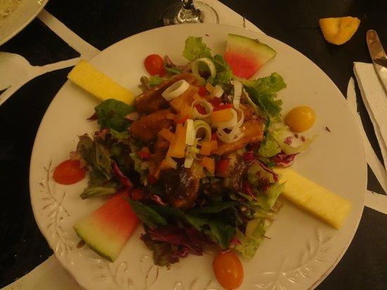 El Limbo on the Sea Hotel Restaurant: ensalada de pescado