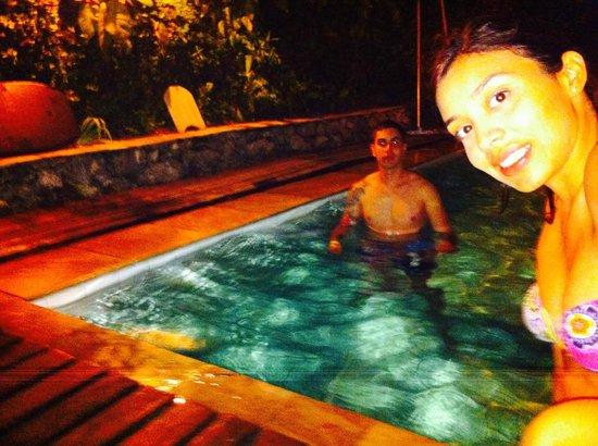 BaronGarden: en la piscina despues de un dia agitado