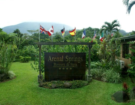 Arenal Springs Resort and Spa: Loved seeing the Canadian Flag!