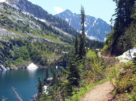 Mountain Trek Fitness Retreat & Health Spa : Glacier Lakes