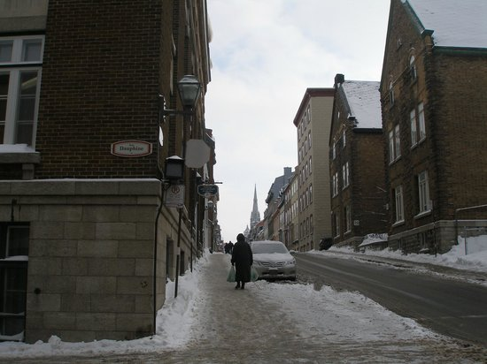 HiQuebec, Auberge Internationale de Quebec: Hostel's street