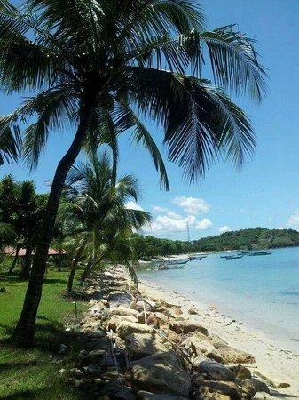 Laprima Hotel : strand bij het hotel