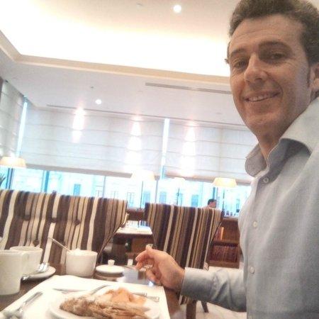 InterContinental Moscow Tverskaya Hotel: having breakfast at the club lounge