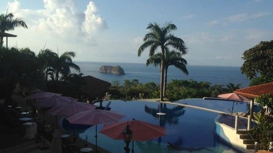 Parador Resort and Spa: view from the pool area