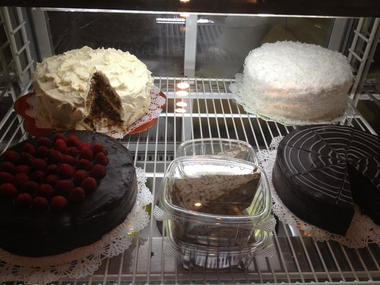 Tres Leches Eatery: Dessert case