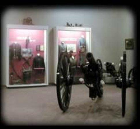 Old Bardstown Village Civil War Museum: inside museum