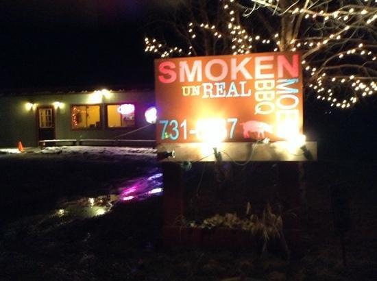 Smoken MOES Un-Real BBQ: Smoken Moe's UnReal BBQ