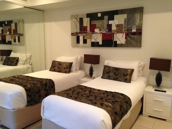 Coconut Grove Apartments: 2nd bedroom (with en-suite in a tow room configuration)