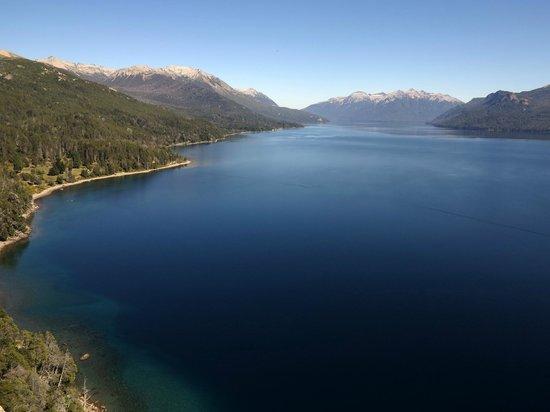 Mirador Lago Traful: Vista al Lago y la Villa desde el mirador