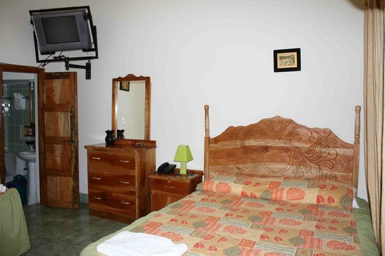 Emerald Hotel: Habitación sencilla o doble