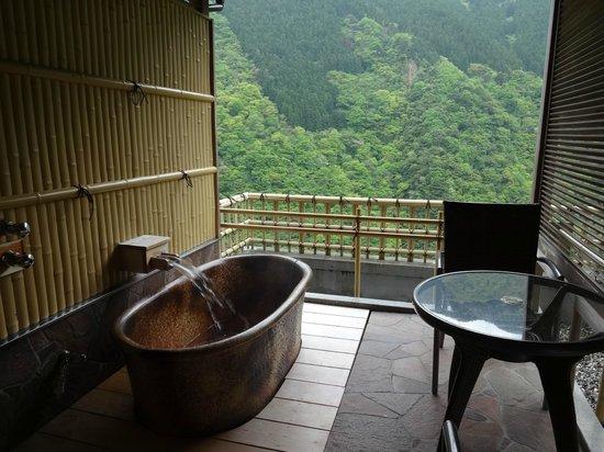 Hotel Iyaonsen: 客室の露天