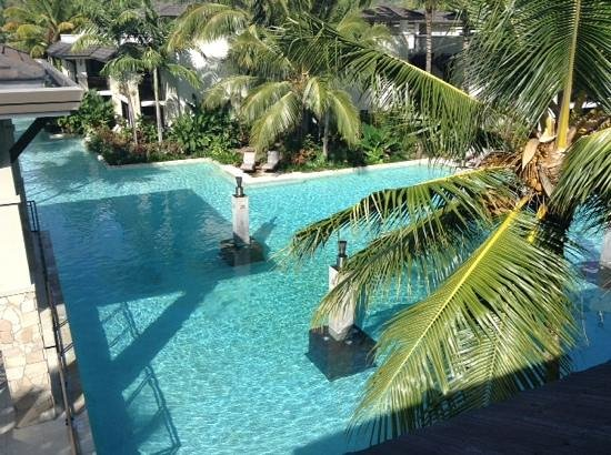 Pullman Port Douglas Sea Temple Resort & Spa: pool view