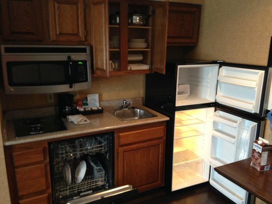 Homewood Suites Syracuse/Liverpool: Kitchen
