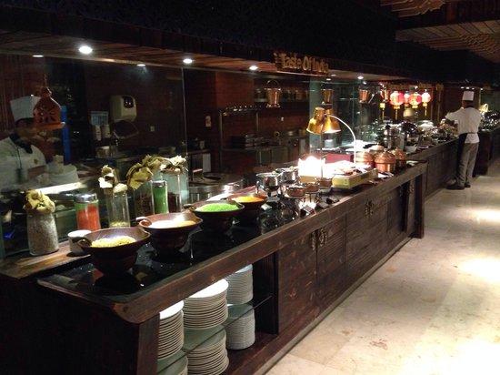 Gran Melia Jakarta: Petit déjeuner
