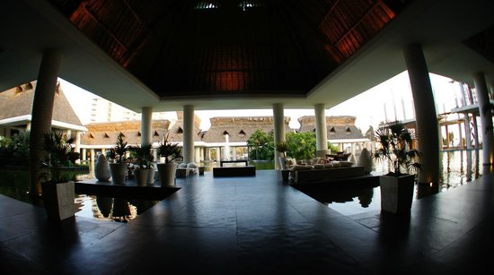 The Grand Mayan Acapulco: hotel