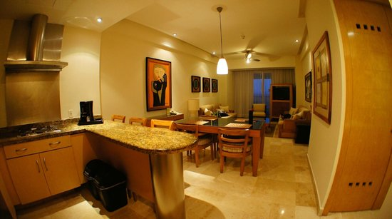 The Grand Mayan Acapulco : master suite