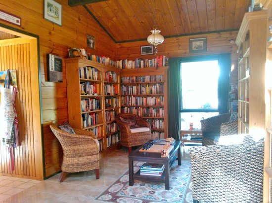 Mokoia Downs Estate B&B : liabrary