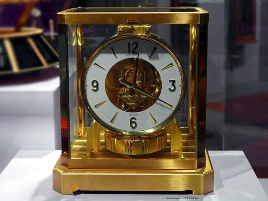 International Museum of Watches: Atmos by Jaeger-LeCoultre