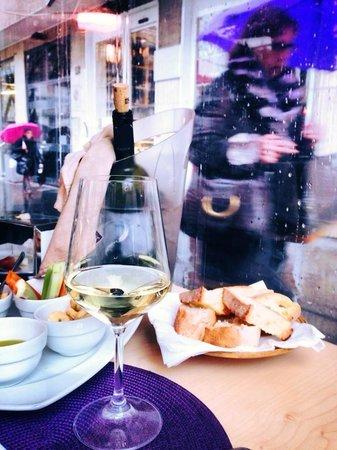 Viola Cafe'