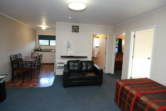 Commodore Motor Lodge: 2 Bedroom Unit