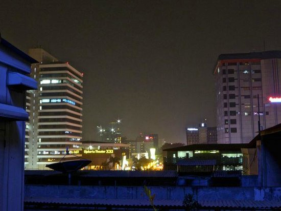 Kosenda Hotel : Night view of the city from room 706.
