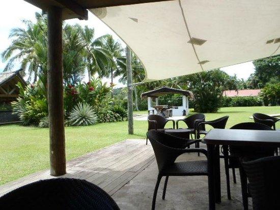 Club Oceanus: dining area/cabana
