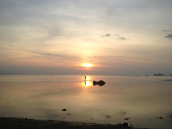 Blue Lotus Resort : Sandbar at sunset