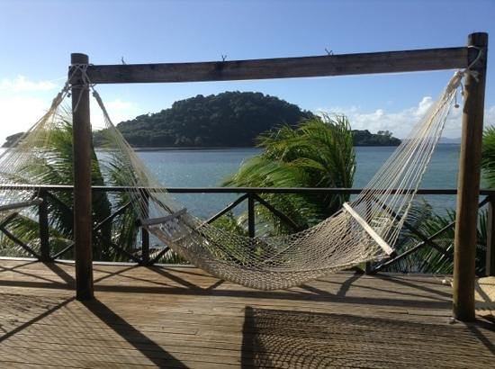Maravu Taveuni Lodge: hammocks and view
