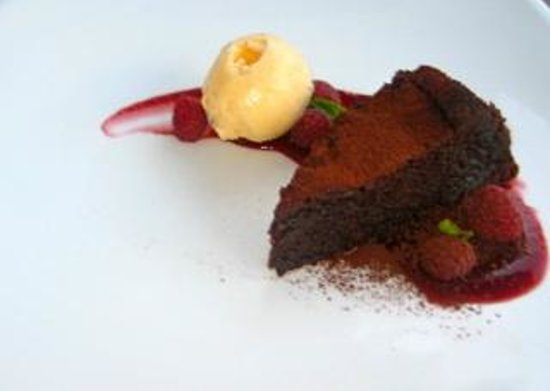 Saffron Restaurant: Chocolate and raspberry with unbelievable ice cream