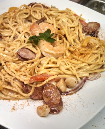 Spiro's Downtown Restaurant: Shrimp and Scallop Pasta
