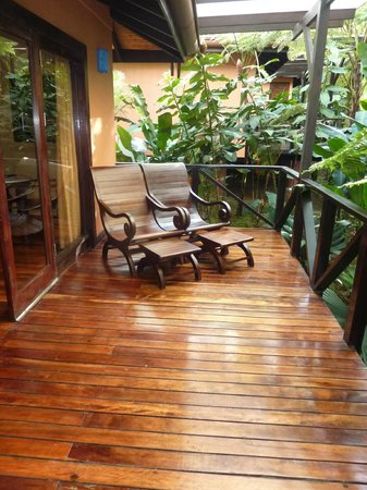 Rio Celeste Hideaway Hotel: Private deck on the casita