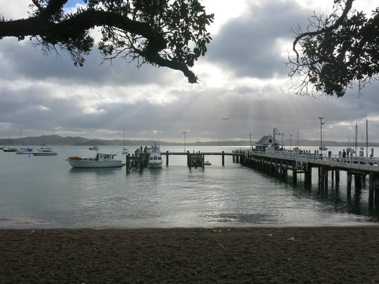 The Gables Restaurant: Handy to ferry wharf if coming over from Paihia