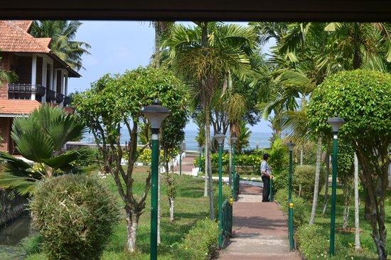 Leisure Vacations Goldfield Lake Resort: Resort