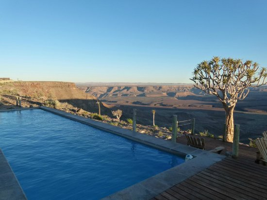 Fish River Lodge: View over the pool