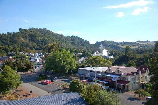 Holiday Inn Rotorua: 酒店阳台外的景色