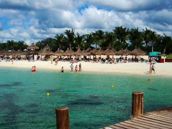Occidental Cozumel: Beach view from the dock