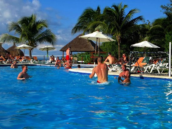 Occidental Cozumel: Pool - Waterpolo