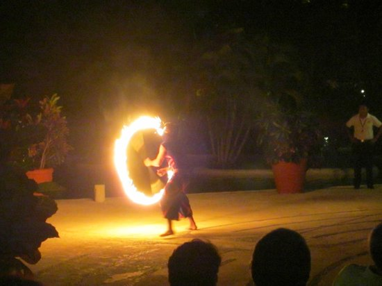Occidental Cozumel: Entertainment - Outdoor shows including fire spinners