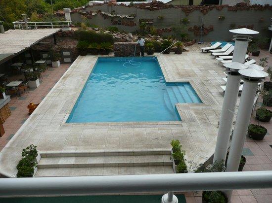 Tower Inn & Suites San Rafael: The Tower Pool