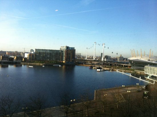 Crowne Plaza London - Docklands: It was goood to be able to see the river from the room window