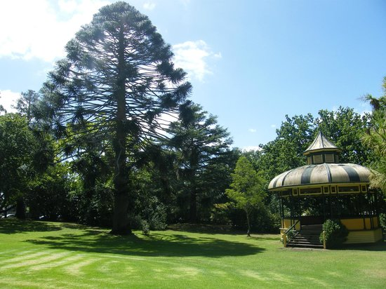 Boomers Guest House: Botanical Gardens Hamilton