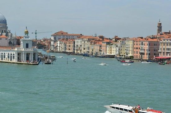 Ente Gondola: The start of the Grand Canal