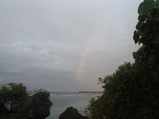Le Sabot Bali / Beach Front Bungalows Padang Padang: Rainbow view