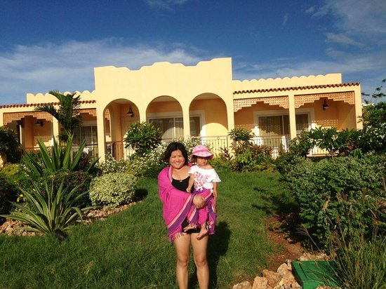 Hideaway of Nungwi Resort & Spa: my mother and niece is happy