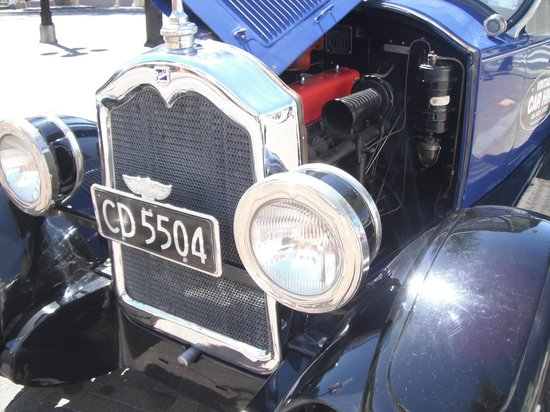 Hooters Vintage and Classic Vehicle Hire Ltd: purrs like a kitten